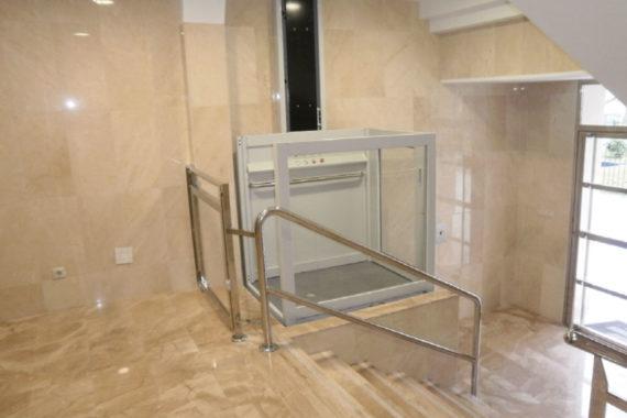 elevador-vertical-hidraulico-1
